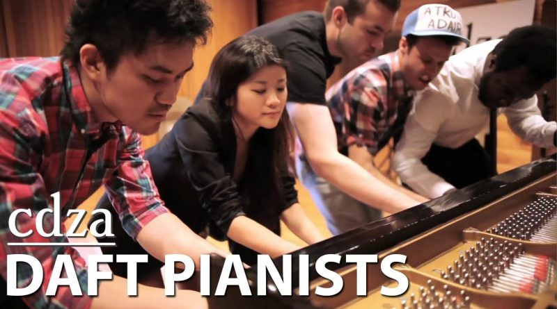 5 people – 1 piano. Get Lucky by Daft Punk